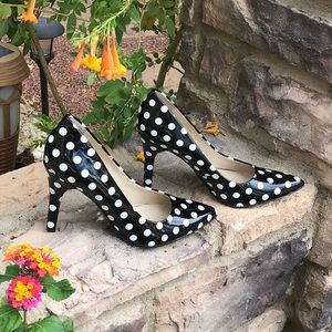 Nine West patent Leather polka dot Pumps